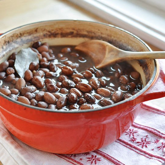 {Photo courtesy from The Kitchn's How to Cook Beans on the Stove}